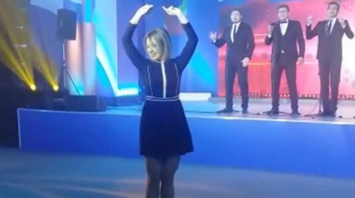 Представитель МИД Захарова поразила иностранцев танцем «Калинка»