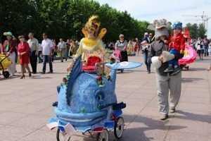 Брянские семьи пригласили на «Парад колясок»