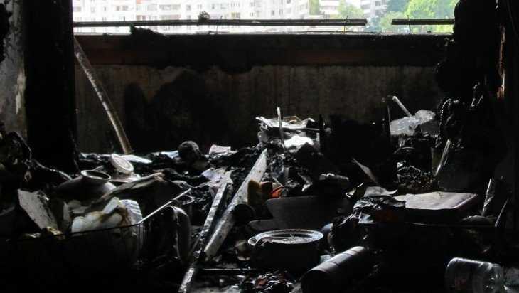 Ночью в Брянске пожарные спасли троих жителей пятиэтажки