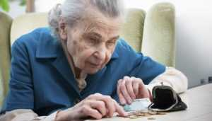 Брянского дельца заставят вернуть деньги бабушке за проданный медприбор