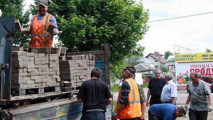 В Брянске снесут бараки и поставят памятник паровозу