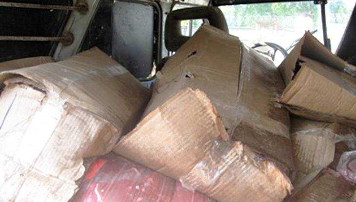 Брянские пограничники задержали 66 коробок контрабандного мяса