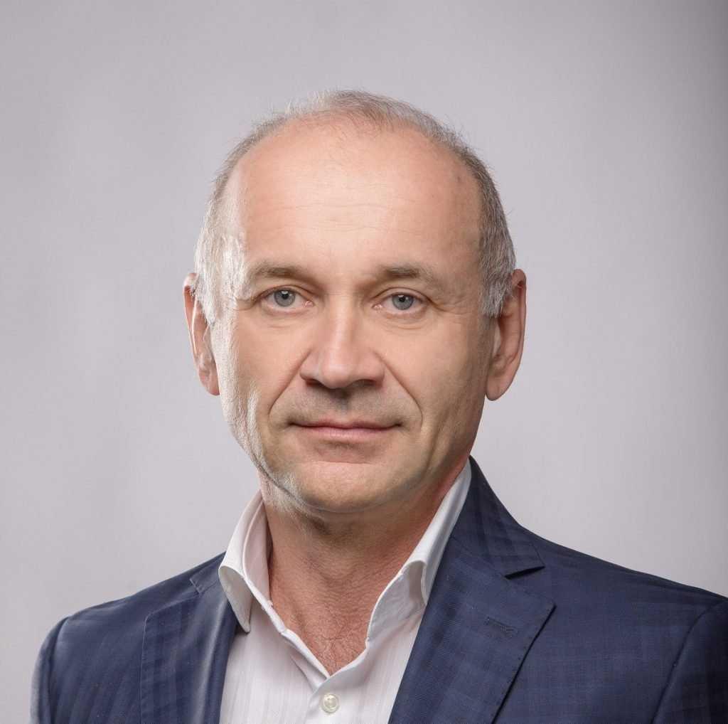 Глава агрохолдинга Владимир Жутенков поздравил брянцев с Днём Победы