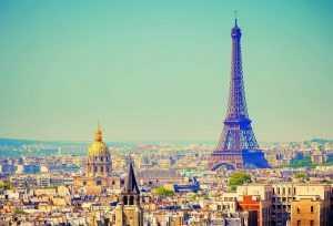 Брянская девочка покорила Париж