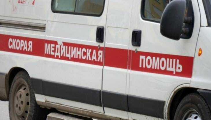 На остановке в Брянске пенсионерка упала под микроавтобус