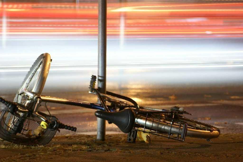 В Брянске микроавтобус сбил пьяного велосипедиста