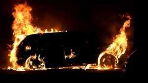 В брянском селе сгорела иномарка