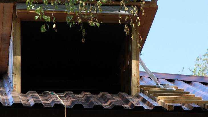 Брянцы пожаловались на текущую крышу после ремонта за три миллиона