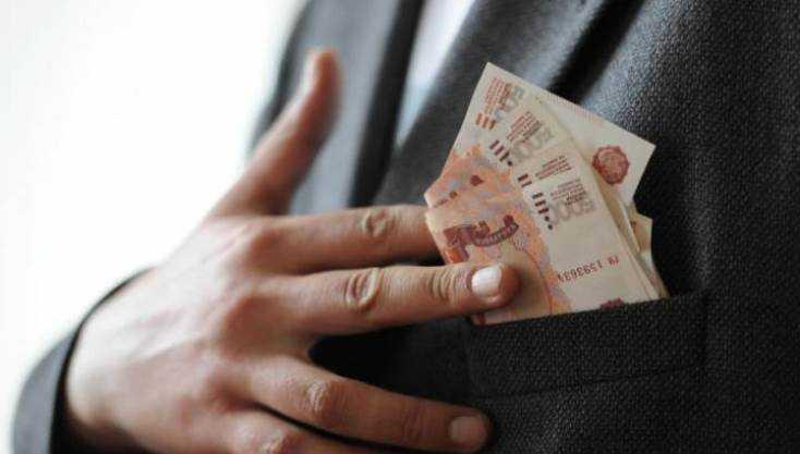 Начальник брянских коммунальщиков ответит за присвоение миллиона