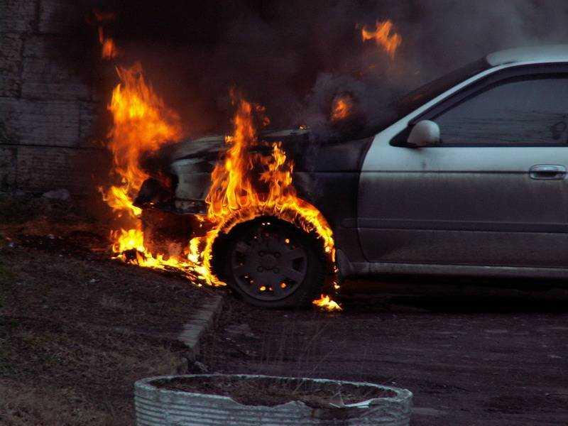 В брянском селе сгорел автомобиль