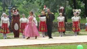 На празднике в брянском поселке Локоть побывала вдова племянника Николая II