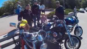 Брянские мотоциклисты подарили день радости детям из приюта
