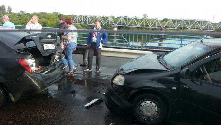 В Брянске случилась авария над Десной