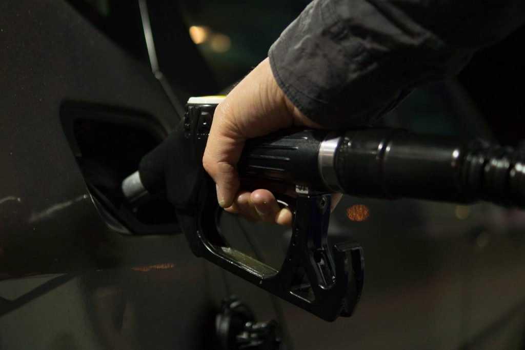 Брянск оказался в лидерах по росту цен на бензин