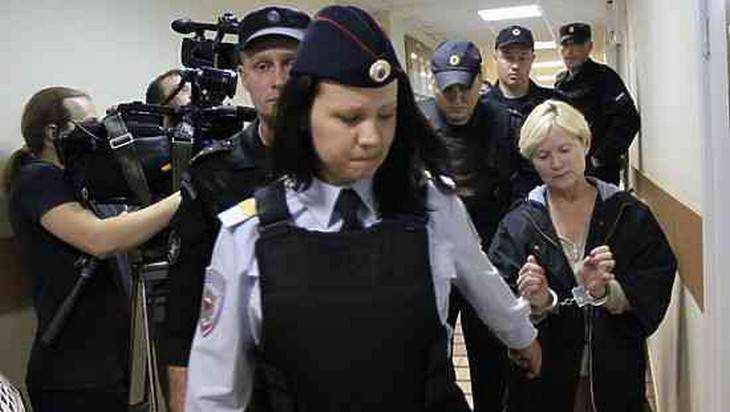 Владелицей отеля в Карелии, где погибли 14 ребят, оказалась жена брянца
