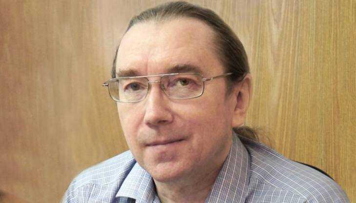 Брянскому разработчику военной техники вручили полмиллиона рублей