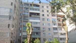В Брянске погиб парень, выпавший из окна многоэтажки