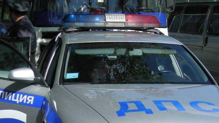 Молодой брянский водитель переломал лопатку пьяному пешеходу