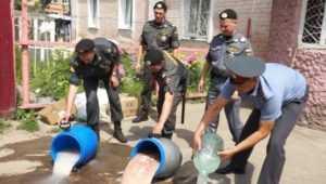 Бойцы ЛДПР помогли брянской полиции разоблачить самогонщиков