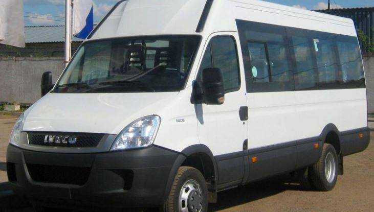 В Брянске водитель маршрутки разбил голову пассажирке