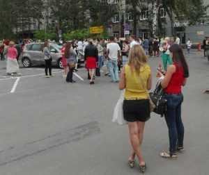Работников брянского бизнес-центра эвакуировали из-за угрозы взрыва