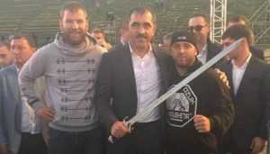 Брянский кузнец выковал клинок для главы Ингушетии