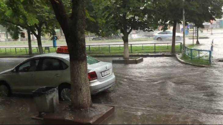 Фокинский район Брянска утонул после ливня
