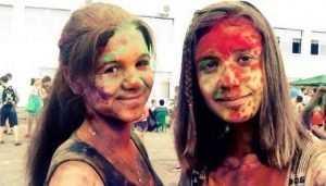 Вымазанные красками Холи брянские подростки разозлили маршрутчиков