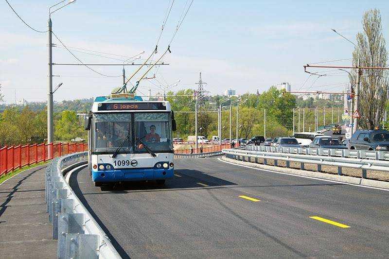 В Брянске открыли движение по путепроводу у вокзала
