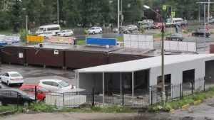 Тихой сапой автостоянку в Брянске превратили в шанхай