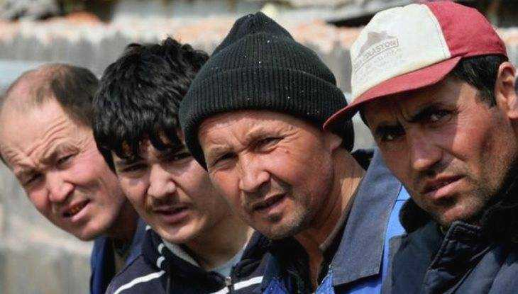Приставы выгнали из Брянской области 288 нелегалов
