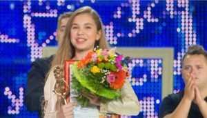 Брянская певица Настя Гладилина отдала 134 тысячи больному ребёнку