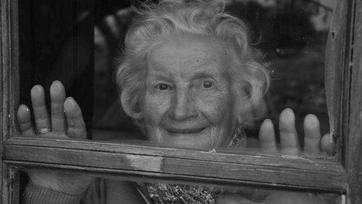 Брянскую бабушку обокрал юный помощник по хозяйству