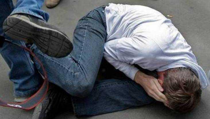 В кафе Брянска поймали парня, обворовавшего избитого мужчину