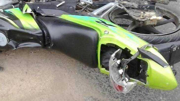 Брянский скутерист выбил себе зубы при падении
