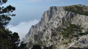 Крымские спасатели освободили брянца из горного плена