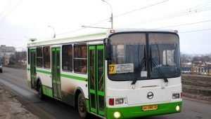Брянская пенсионерка сломала руку в автобусе