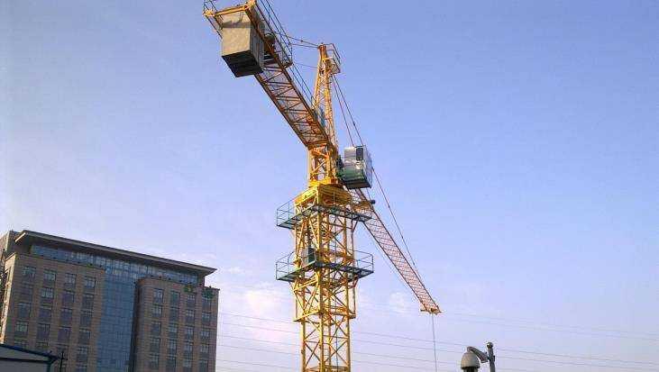 Предприятие Брянска оштрафовали на 200 тысяч за опасные краны