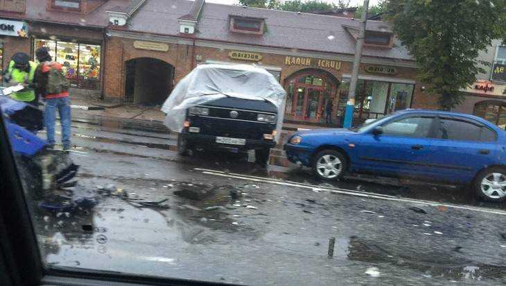 Большая пробка заблокировала движение в центре Брянска