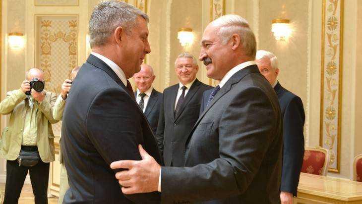 Смоленск увидел измену во встрече брянского губернатора с Лукашенко