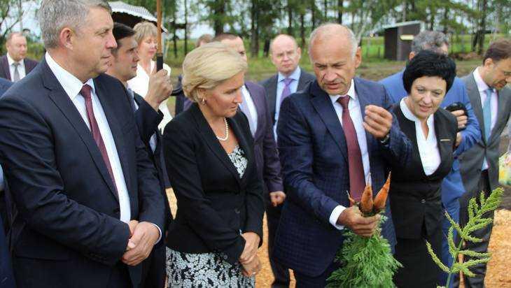 Вице-премьера Ольгу Голодец поразила брянская морковь