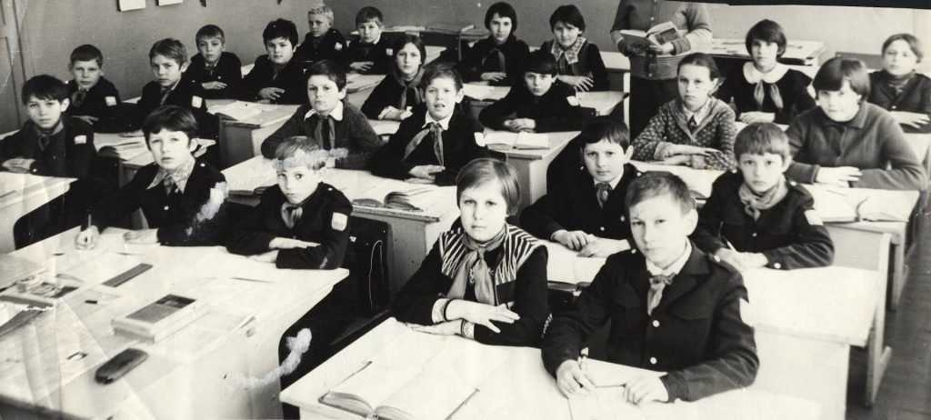 Брянские школы начали переходить на одну смену
