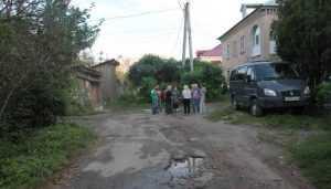 Брянцы испугались стихийной парковки во дворах на улице Дуки