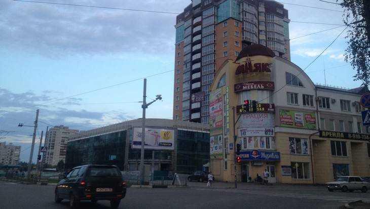 На перекрестке в Брянске установили видеокамеры