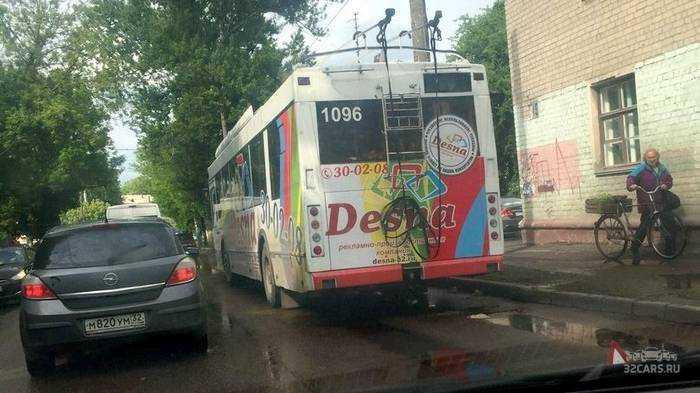 В Брянске троллейбус раздавил велосипедиста