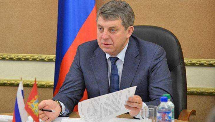 Брянский губернатор велел чиновникам косить траву и бурьян