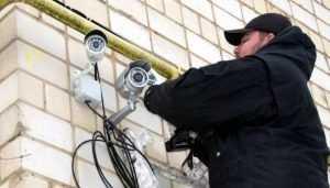 В Брянске задержан похититель офисных камер наблюдения