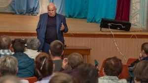 Виктор Киселев встретился с жителями поселка Бытошь Дятьковского района