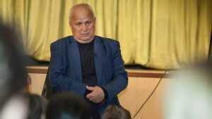 Кандидат в депутаты Виктор Киселев пообщался с жителями Клинцов
