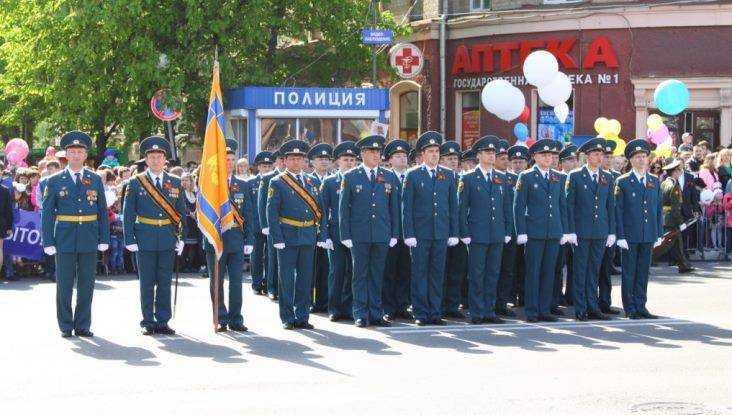 Жители Брянска увидят марш пожарных и легендарную технику